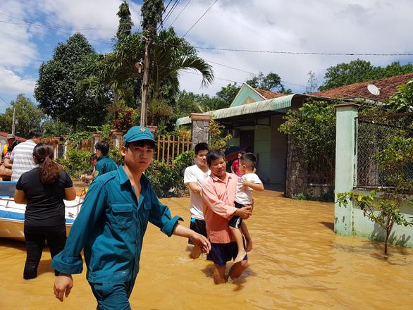Lũ bất ngờ ở Bình Phước gây ngập 189 căn nhà